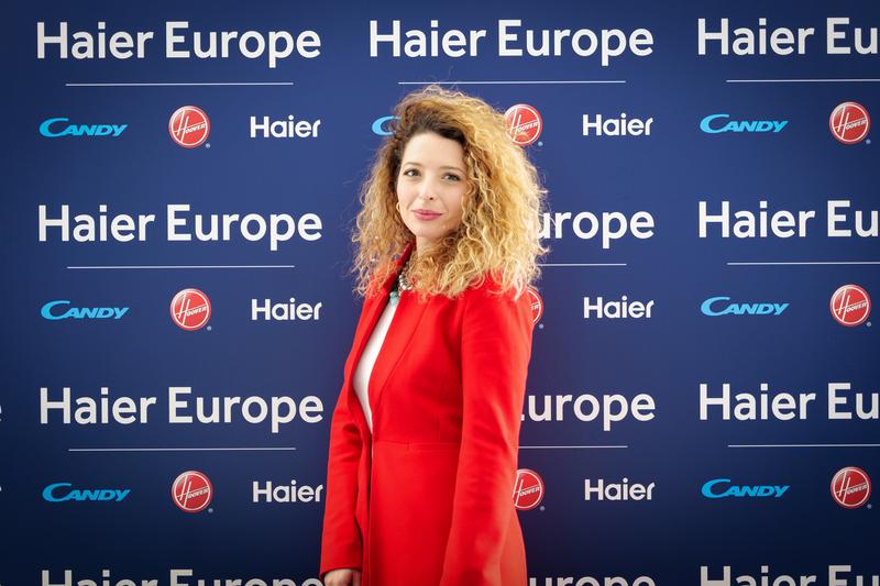"""Sara Gigliotti: """"In Haier attraggo i talenti per dare valore all'azienda. E  sui social 'coltivo' la mia community per i giovani"""" - Luce"""